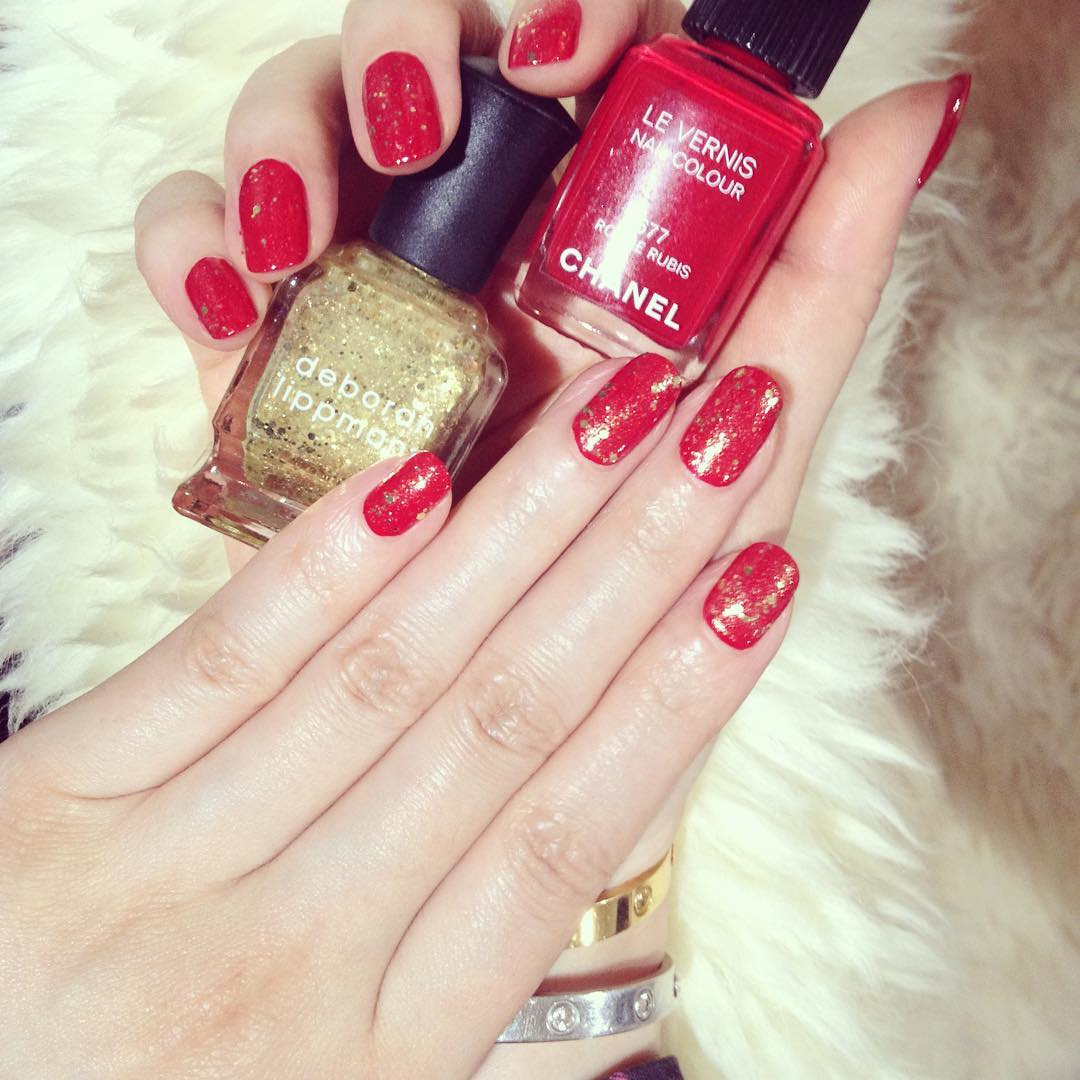 Attractive Red And Gold Nail Art For Women