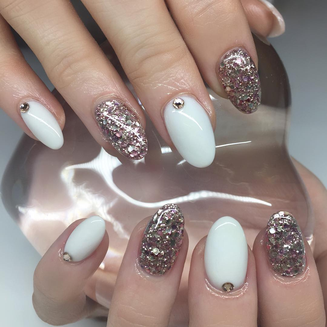 25+ White Acrylic Nail Art Designs, Ideas