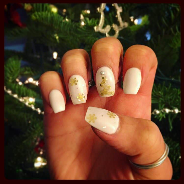 White Christmas Nail Arts