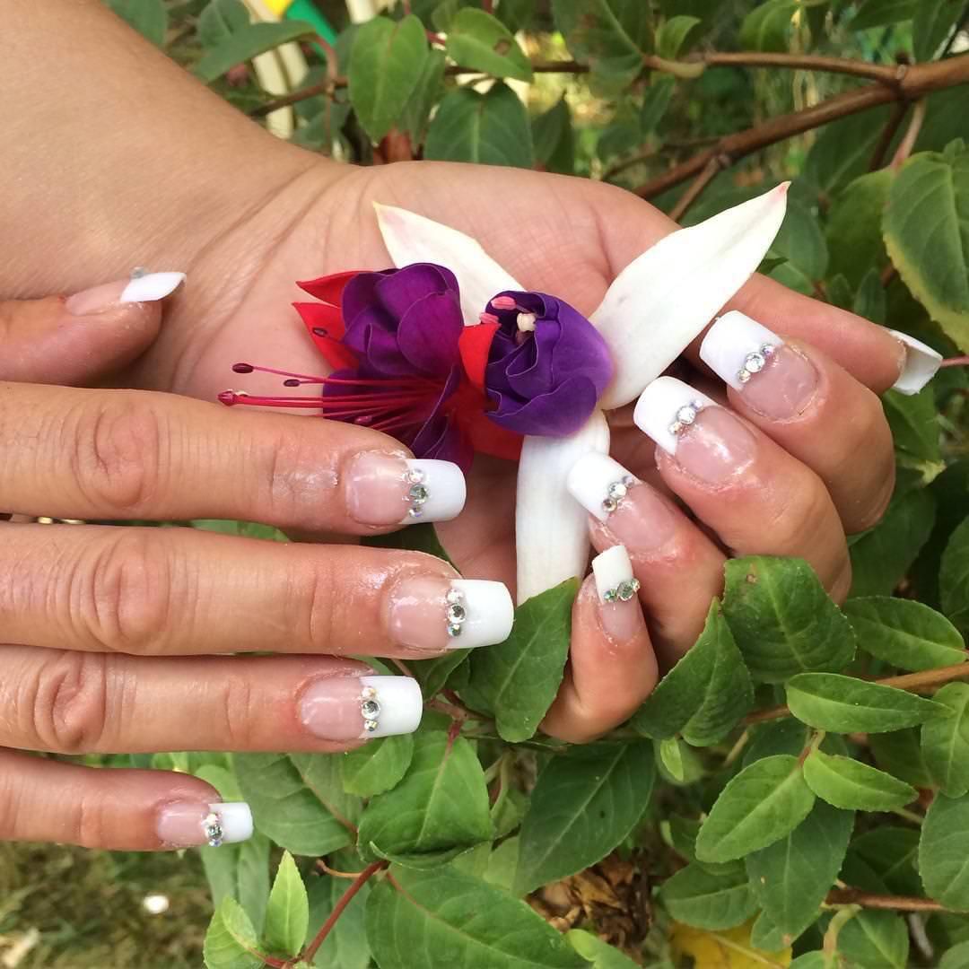 Crystal Designed Tip Nail.