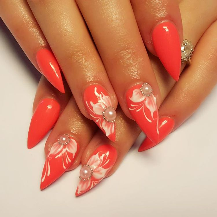 White Flower Design For Attractive Nails