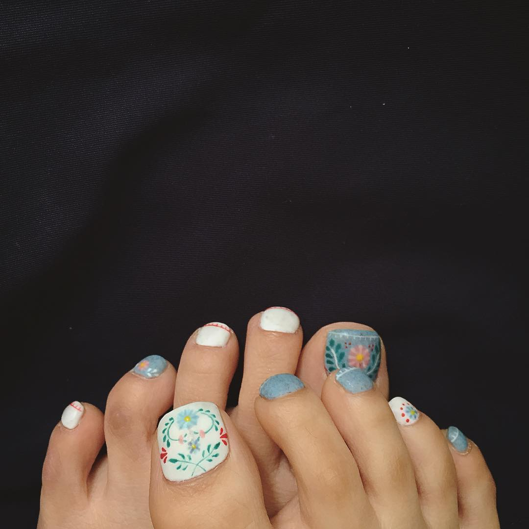 Floral Foot Nail Art Designs