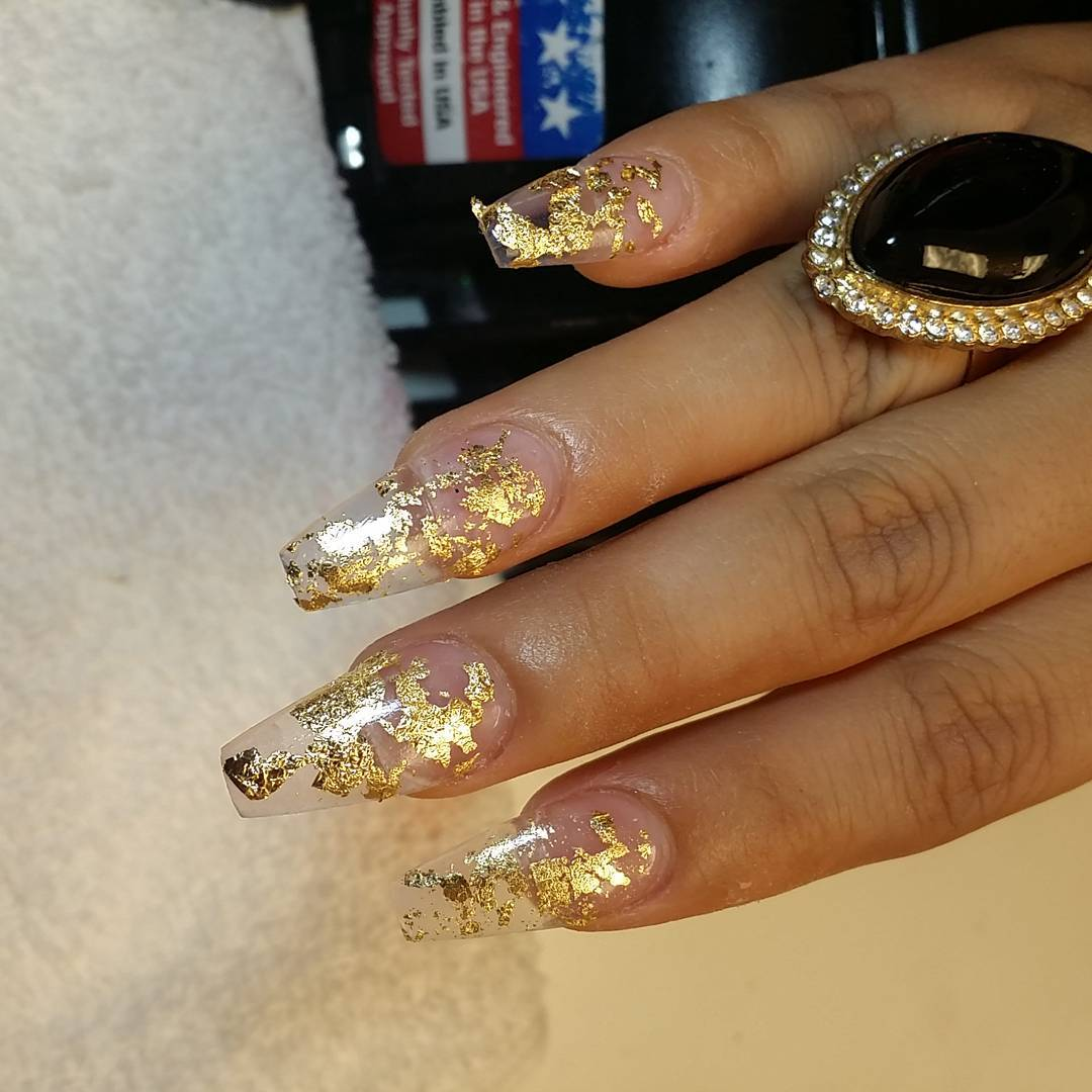 Golden Design Nail Art For Parties