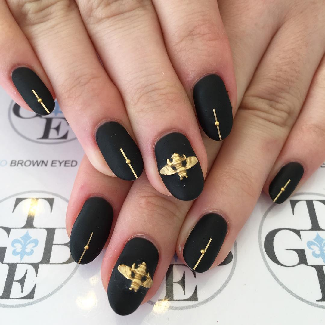 Black And Golden Design Nail Art Looks Beaiutiful