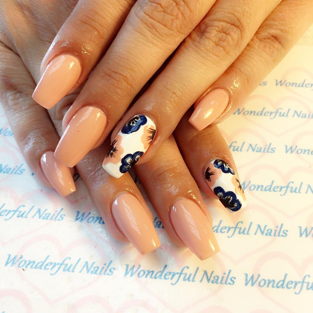 Cute Flower Nail Design Pattern