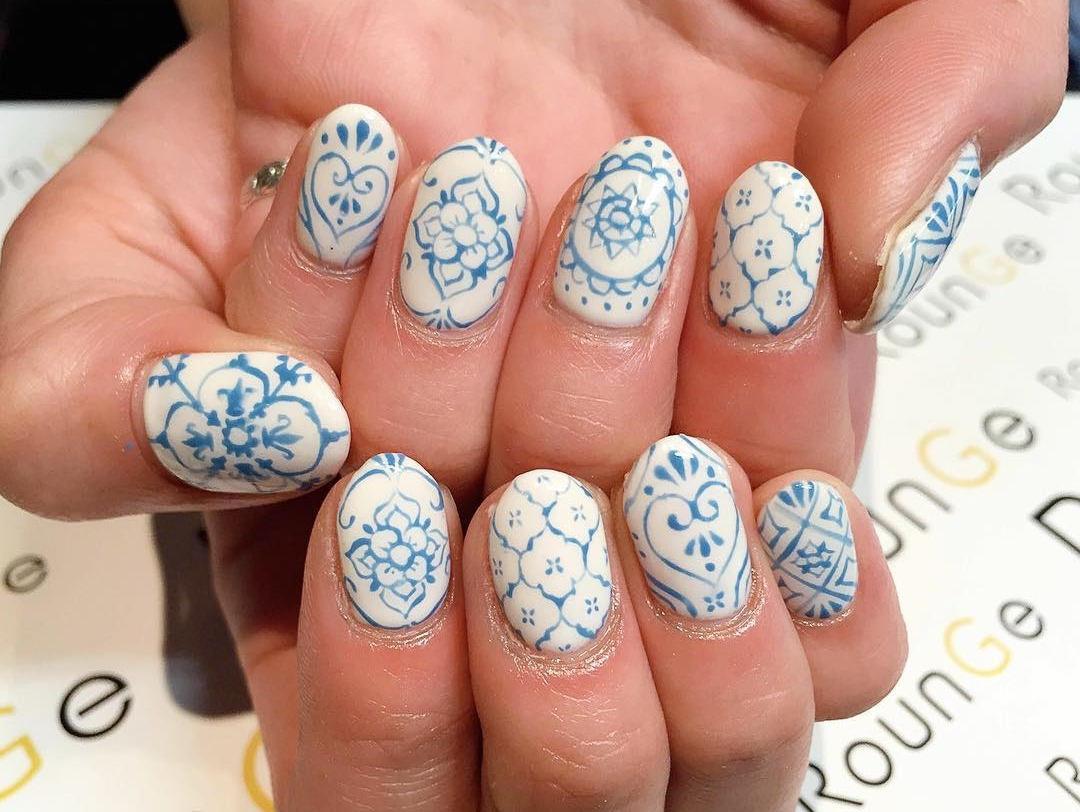 acrylic summer patterned nails1
