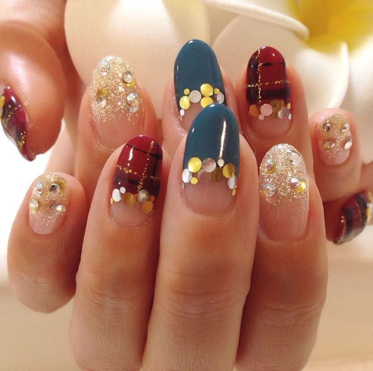 colored crystal designed nail