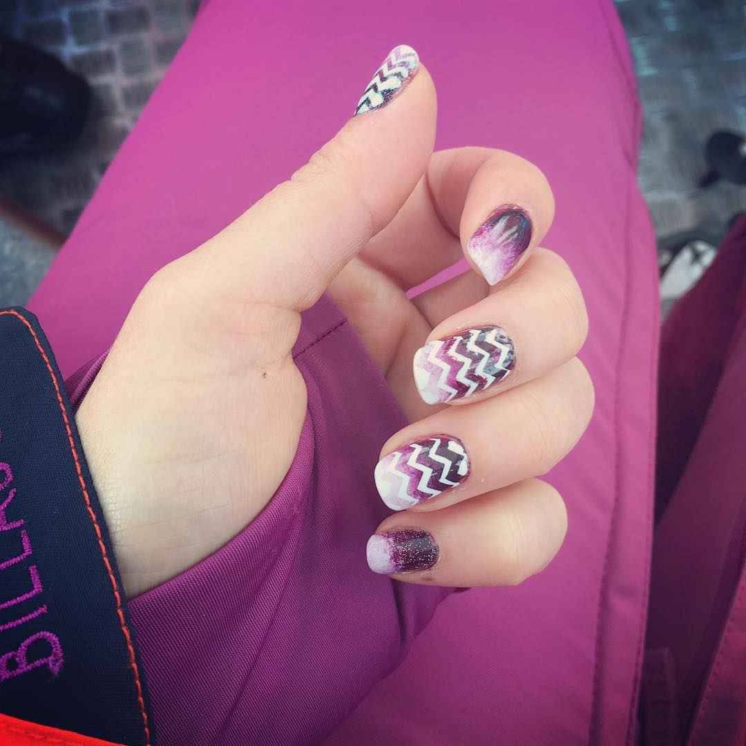 fantastic lined design nails