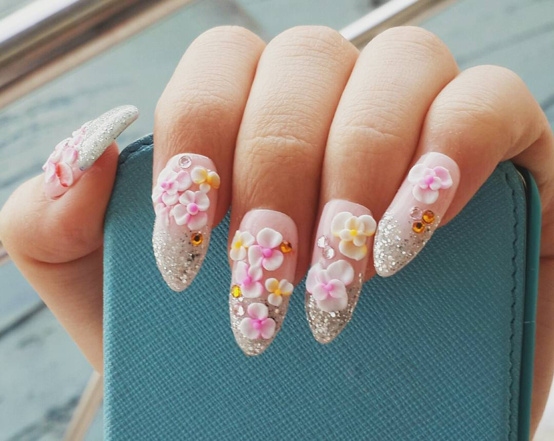 Designed Flowers Nail Art
