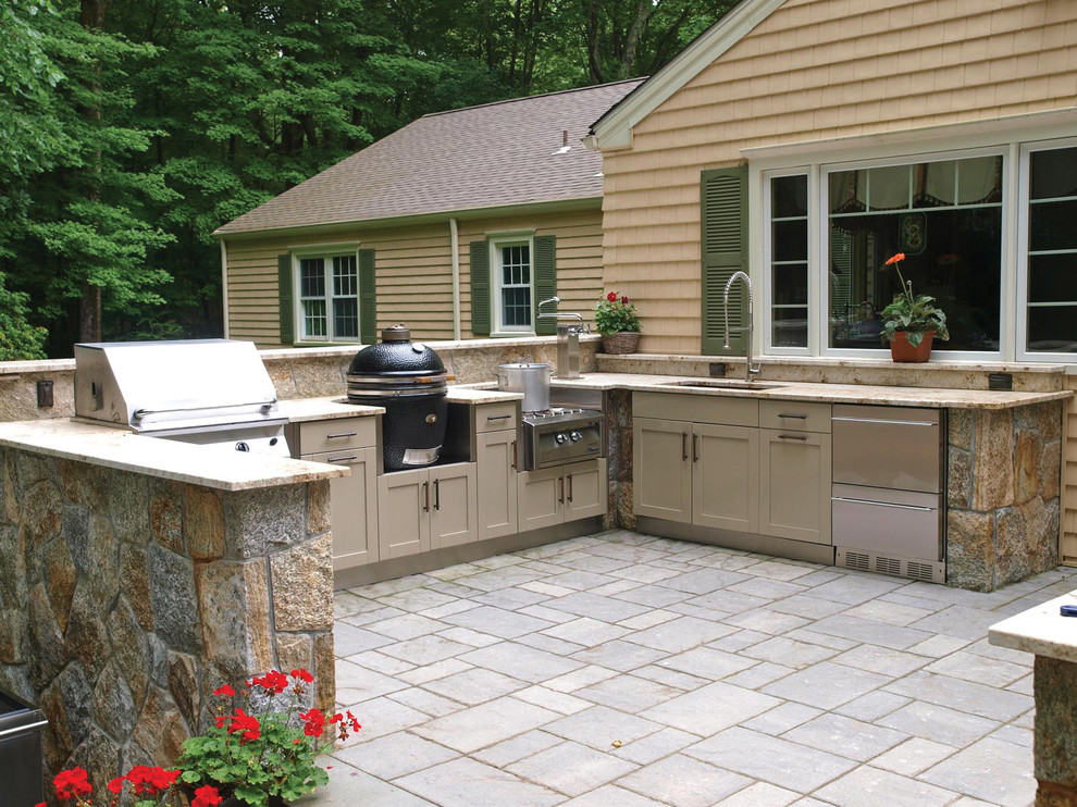 22 outdoor kitchen bar designs decorating ideas design for Backyard kitchen design ideas