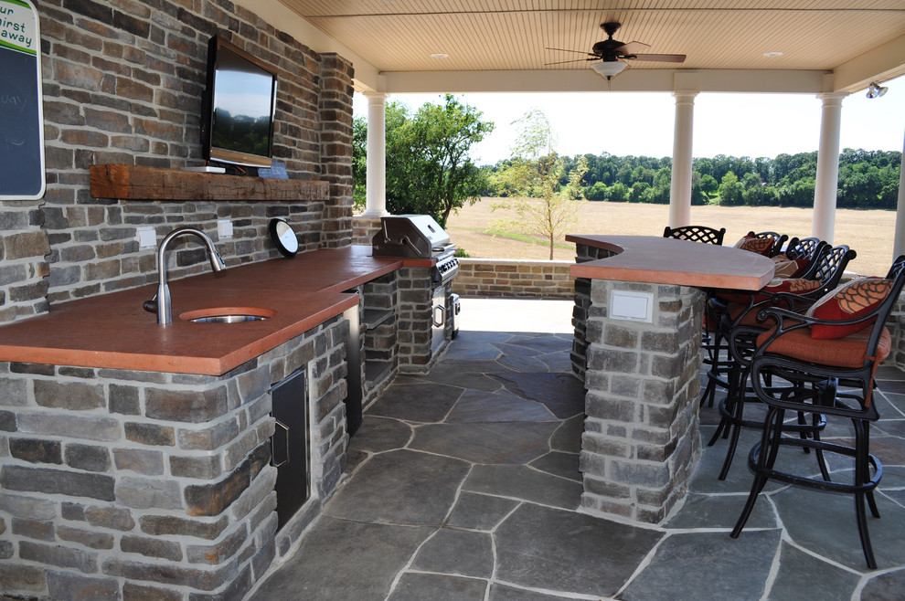 22 outdoor kitchen bar designs decorating ideas design for Covered outdoor kitchen plans