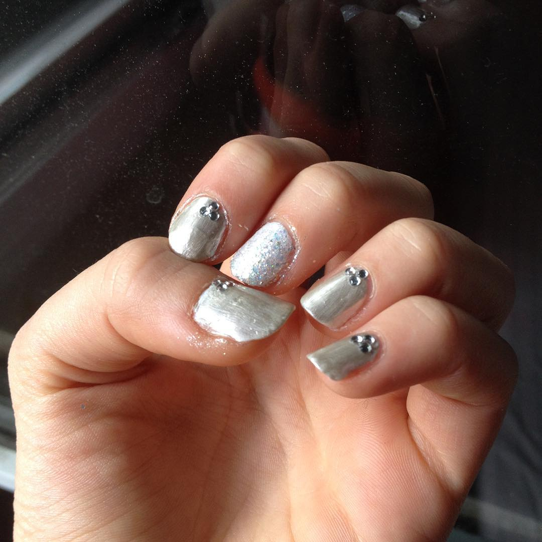 Silver Dotted Acrylic Nails - 24+ Silver Acrylic Nail Art Designs, Ideas Design Trends