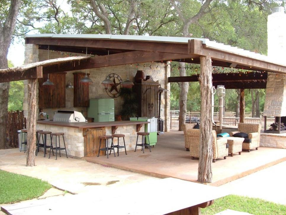 22 outdoor kitchen bar designs decorating ideas design for Outdoor cabana designs