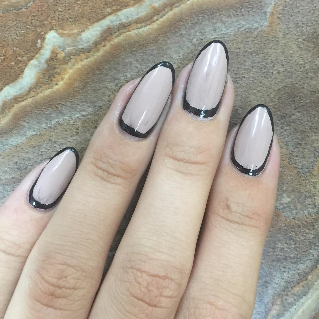 simple and stylish almond nails