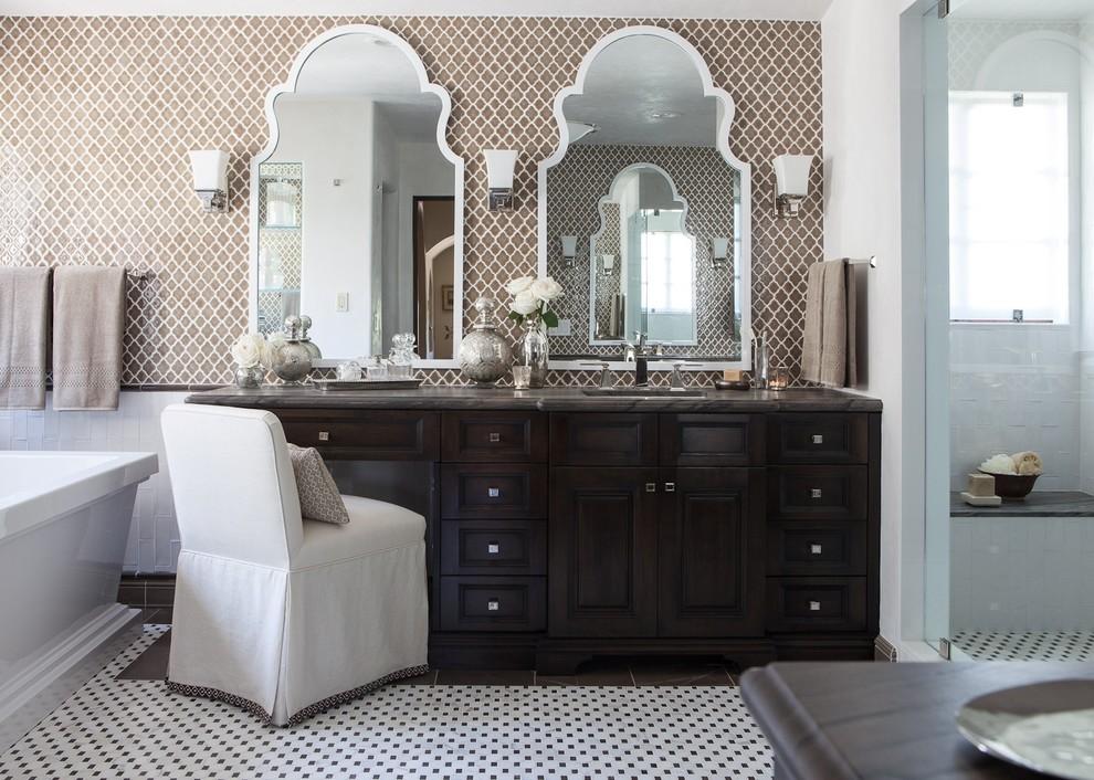 Mediterranean Bathroom Accceries Model