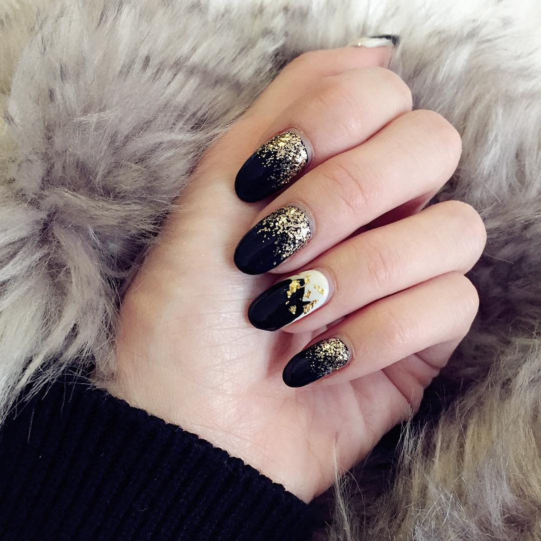 Golden Glitter Black Nail Design