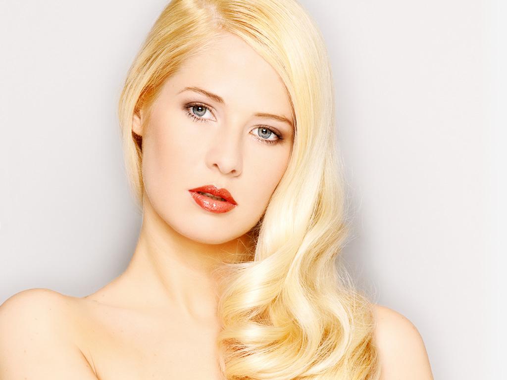 Blonde hair model color