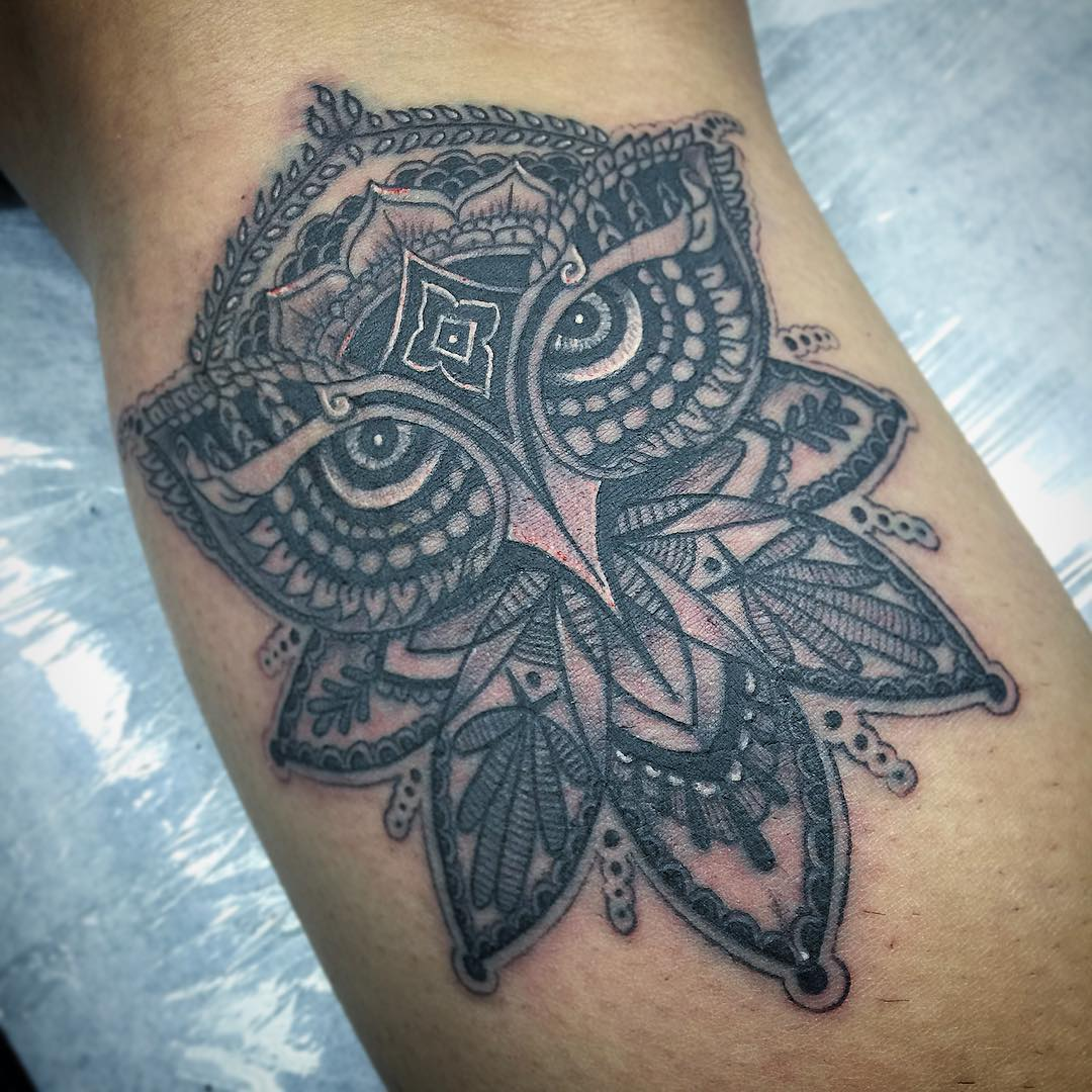 traditional owl leg tattoo design
