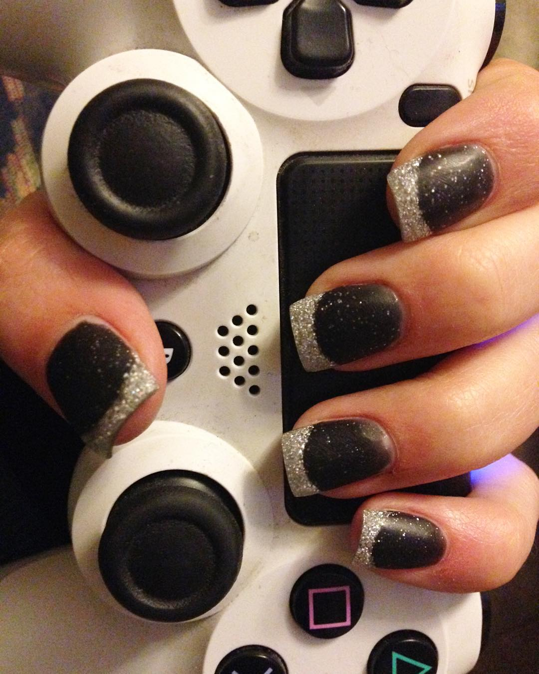 square black nail design trend