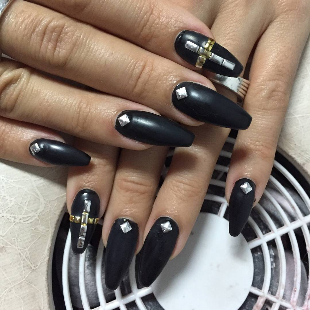 black long nail design spa