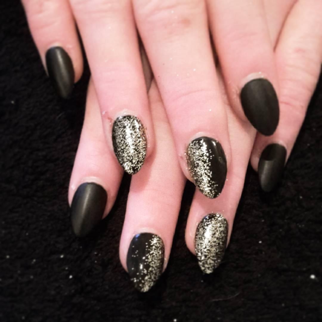 silver glitter nail design trend