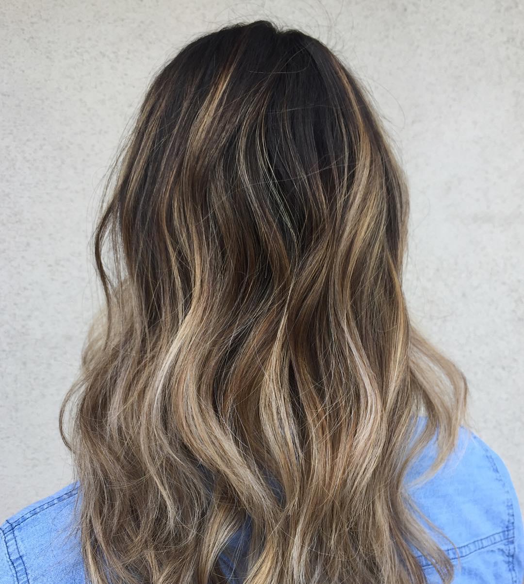 Ash blonde hair loose hair with dark shades