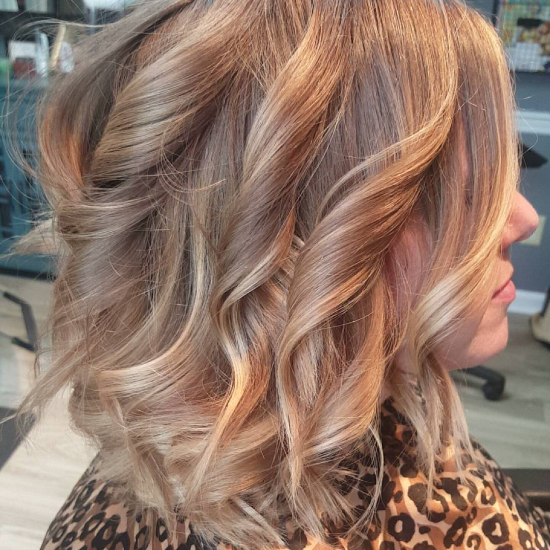 Blonde Ombre short hair with gray shade curls