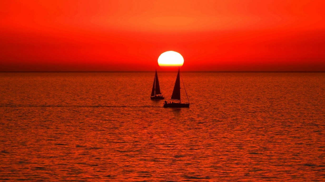 Sailing Sunset Wallpaper