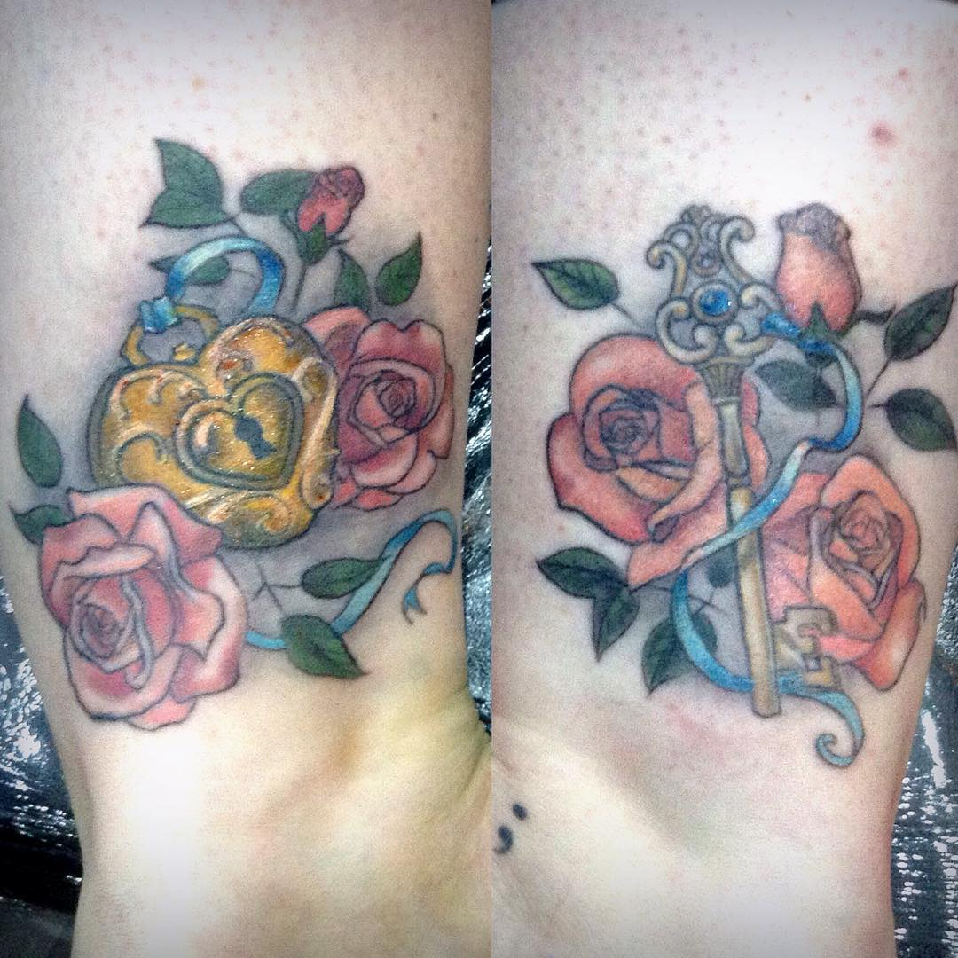 rose and key tattoo design on leg