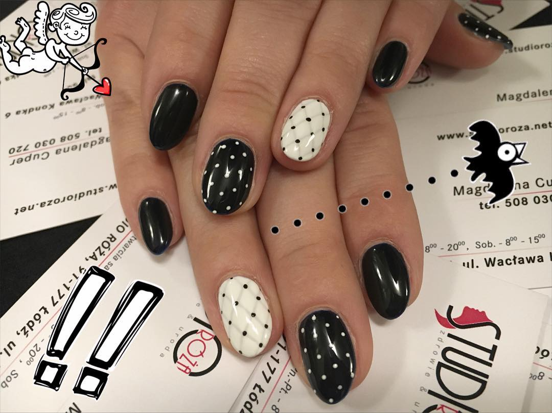 Dots Designed Nail Art Fashion