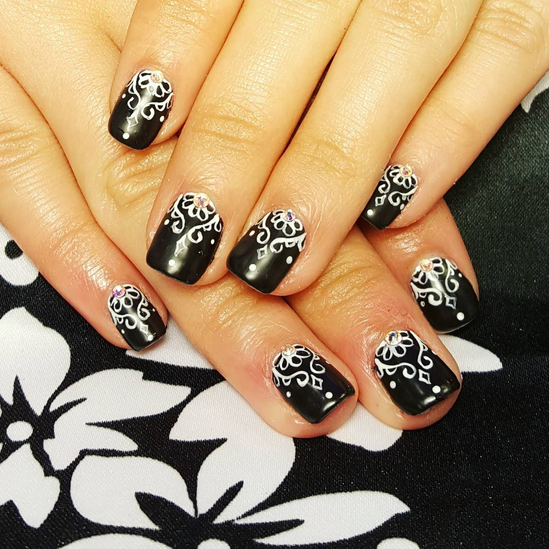 White Designed Black Nail Art Trend