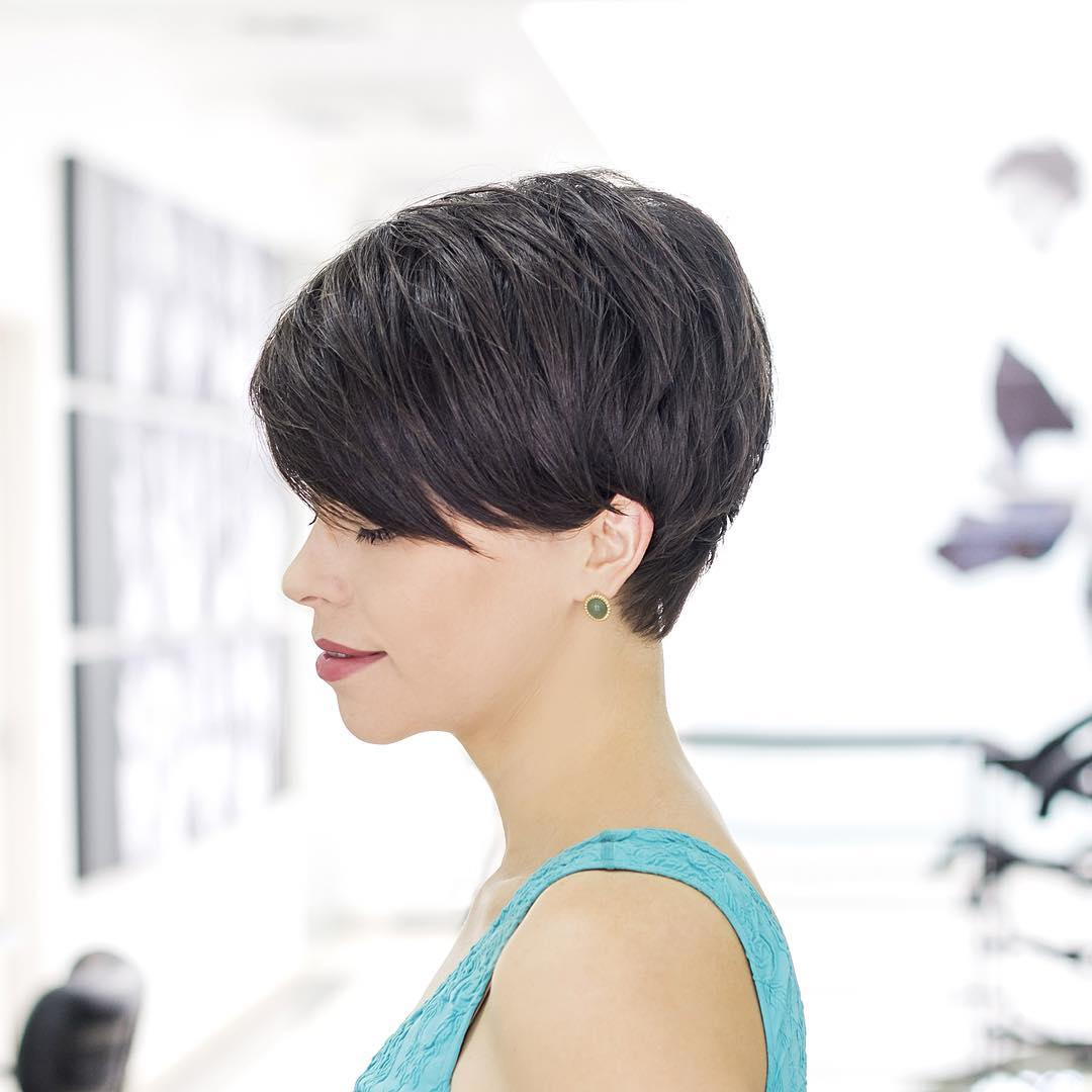 Short Bob Side Bang Hairstyle Design.