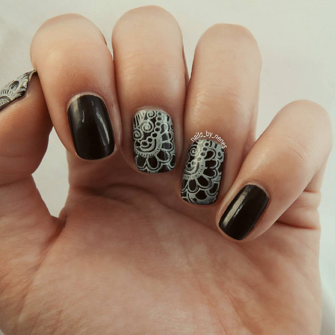 Black and White Summer Nails
