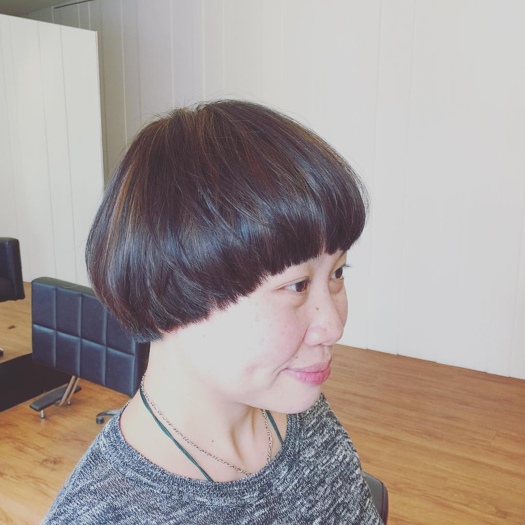 Short Bob Hairstyle Design For Women