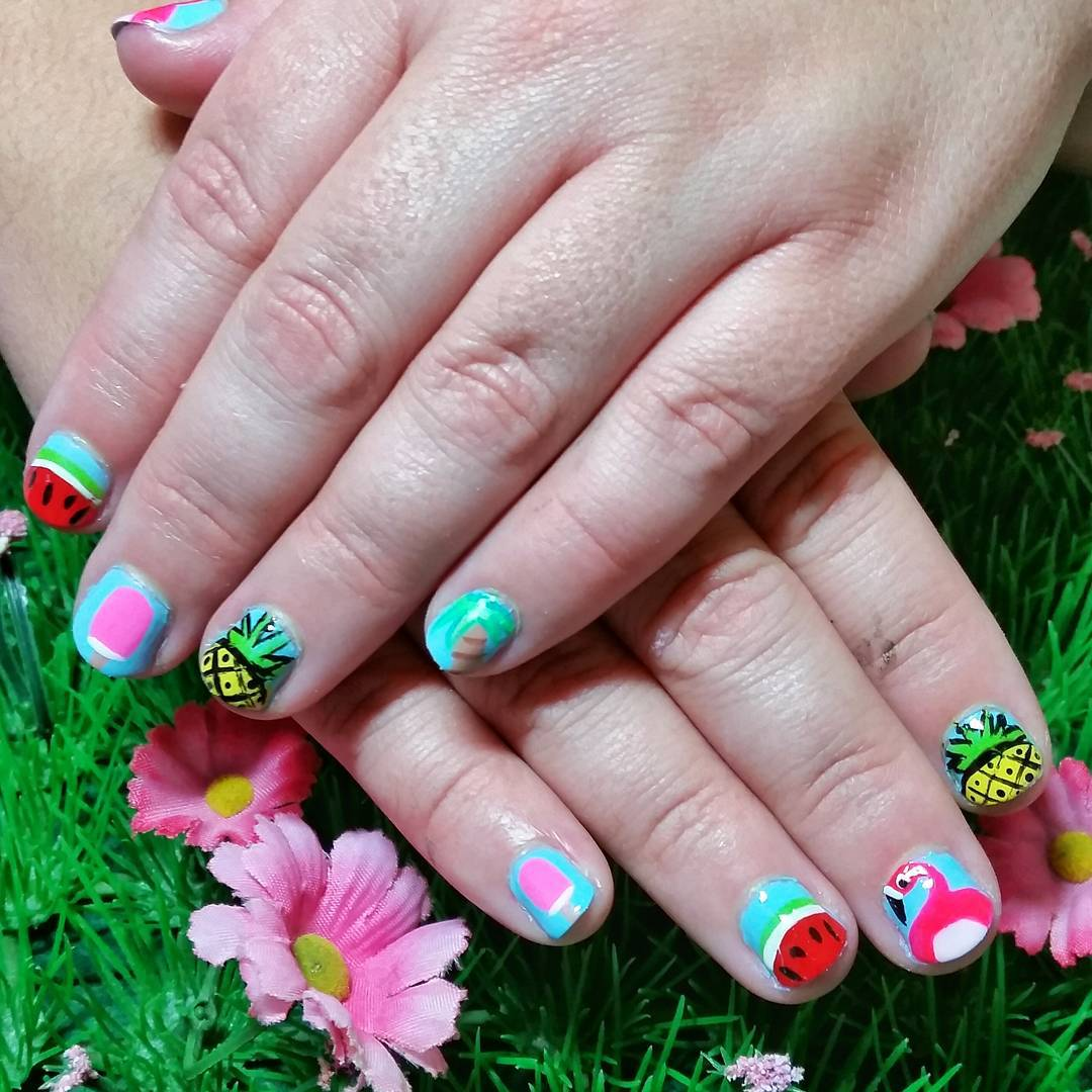Gorgeous Summer Short Nail Design