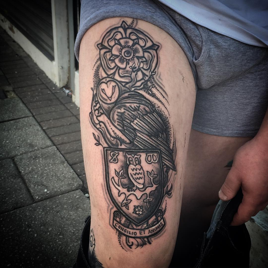 Traditional Themed Tattoo On Leg