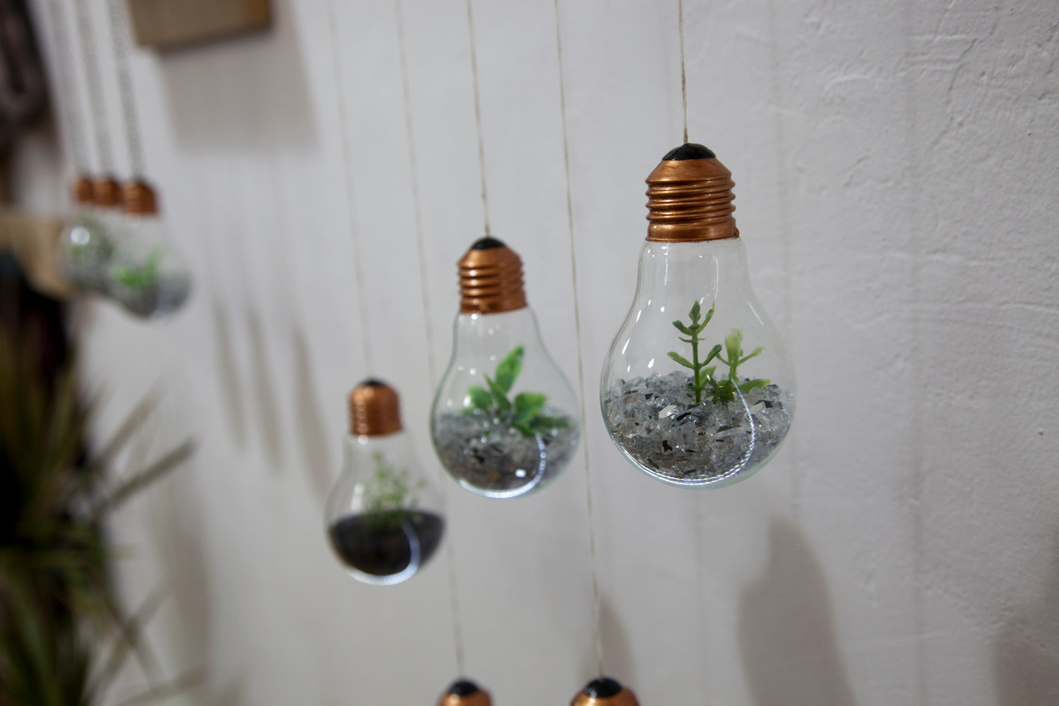 cute little light bulb hangers