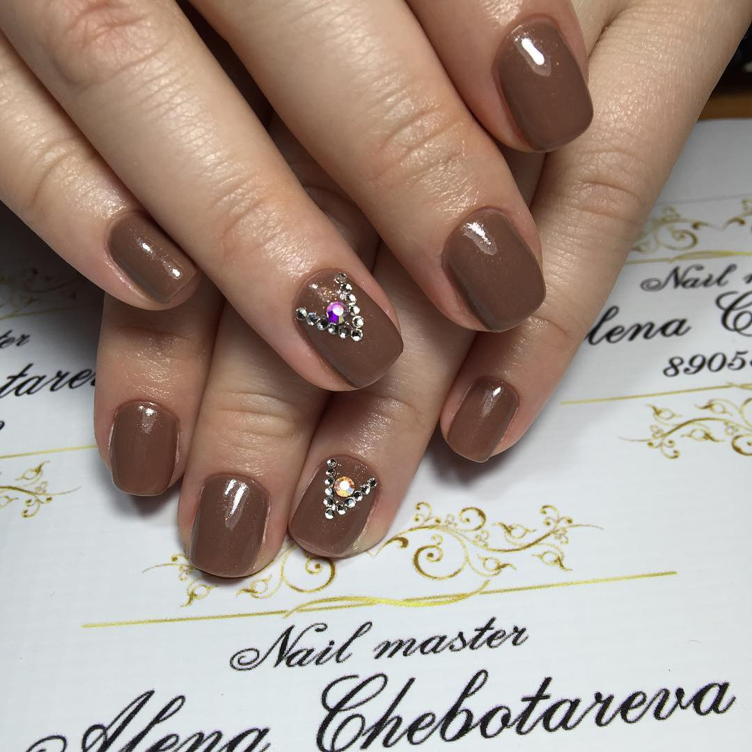 amazing brown nail design