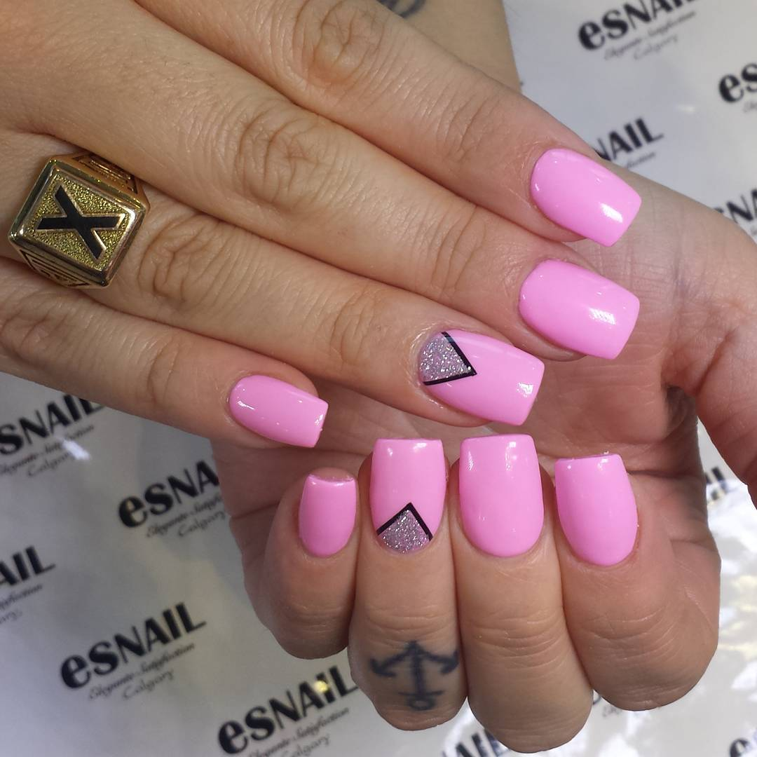 pretty pink design nails