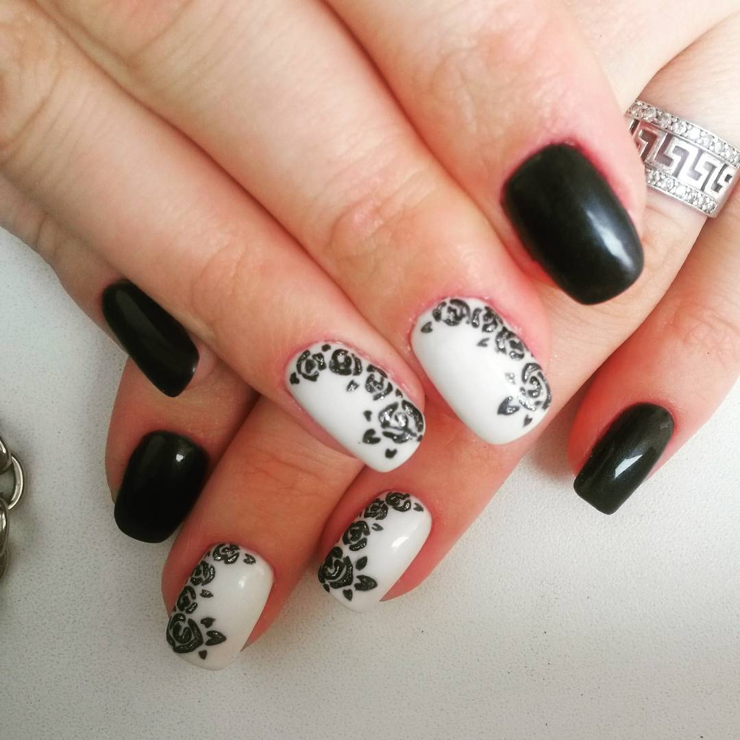 black and white combination nail art trend