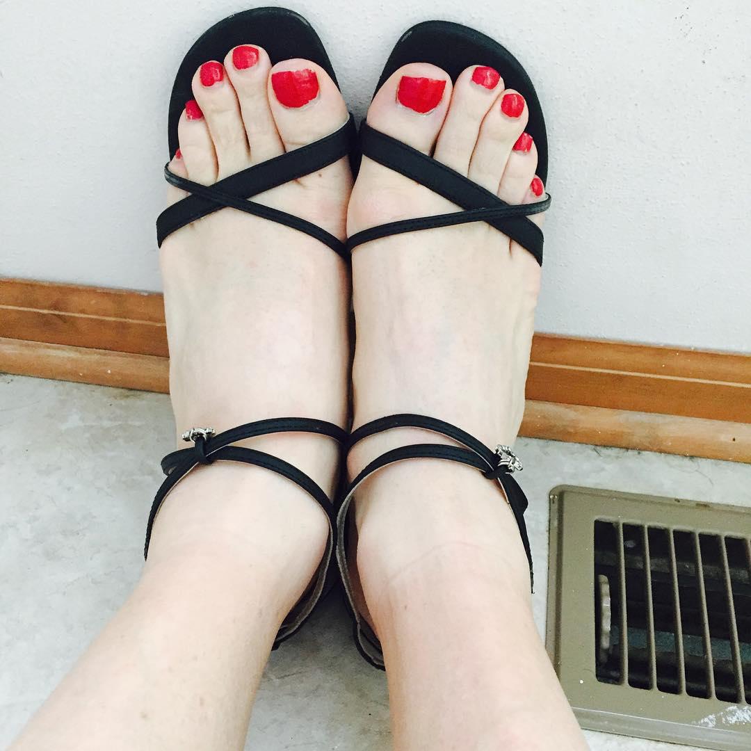 Beautiful Toe Red Nail Polish