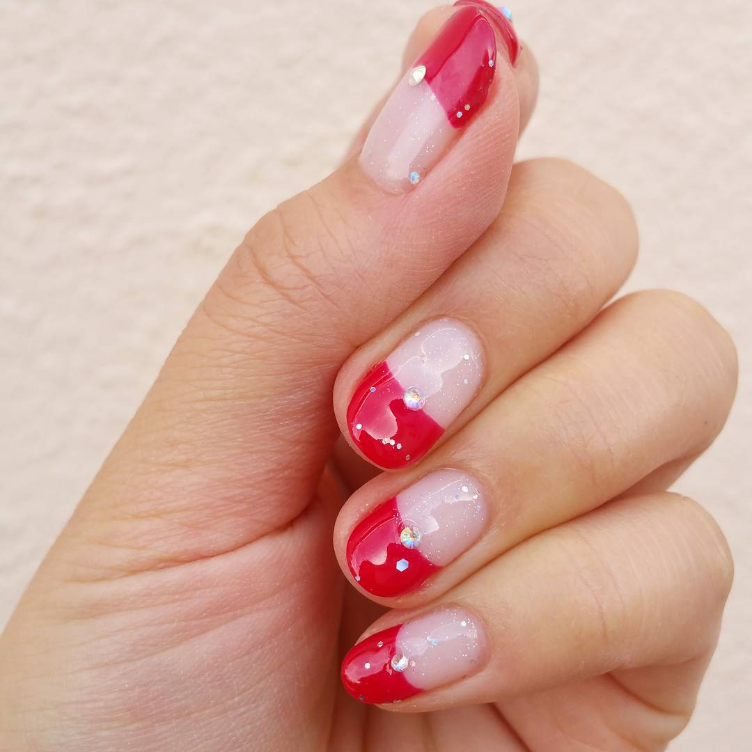 Beautiful And Attractive Red Nail Design For Women