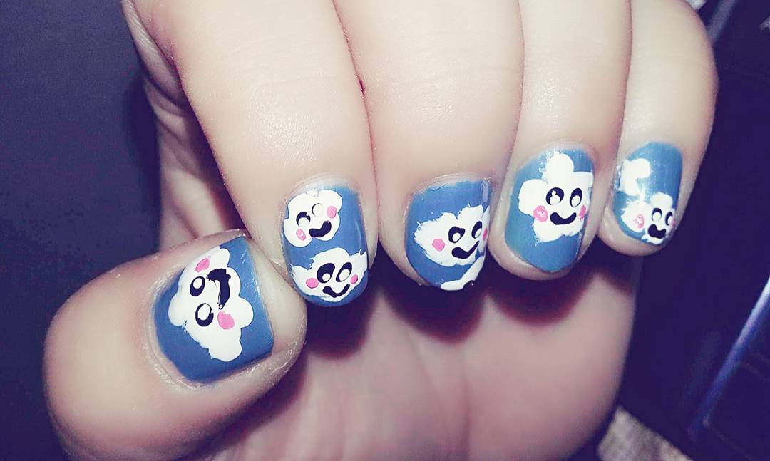 Funny White Flower Nail Designs