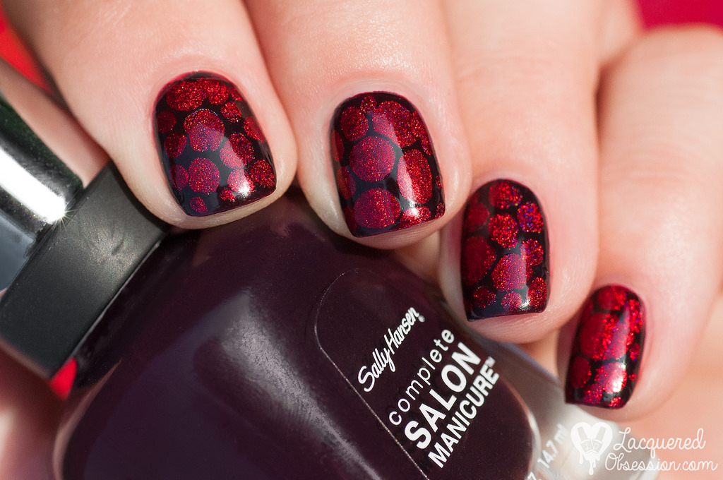 classy dotted red and black nail art