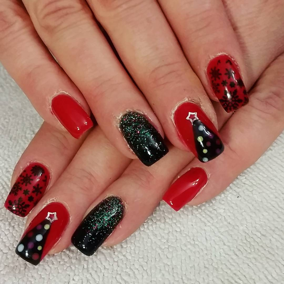 27+ Black and Red Nail Art Designs | Design Trends - Premium PSD ...