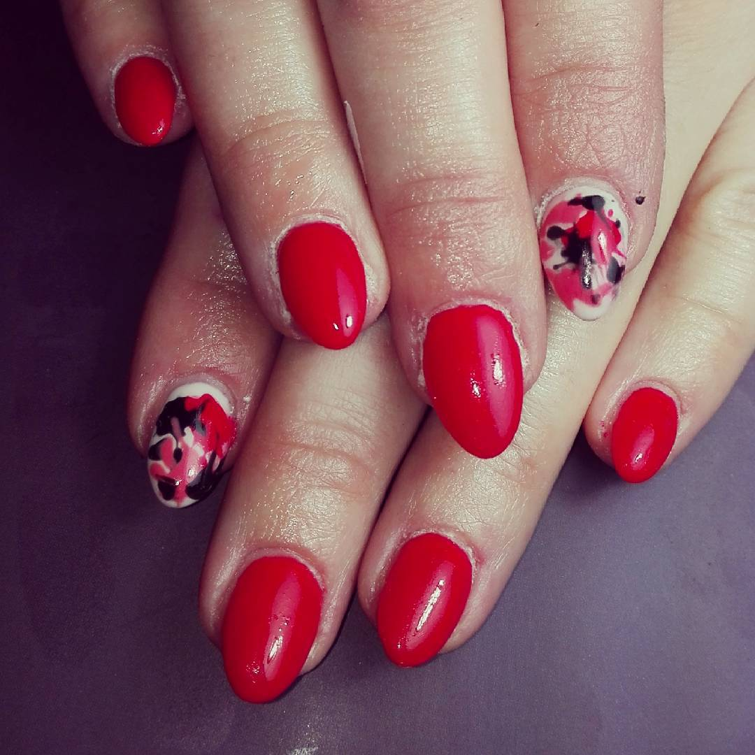 beautiful red nail art pattern