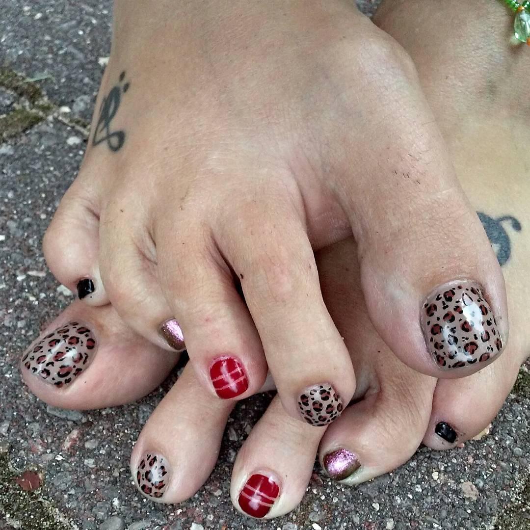 animal nail design for summer