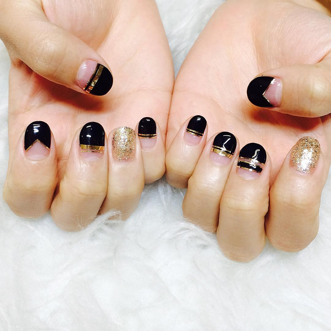 Gold Glitter Black Colored Nail Art