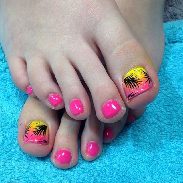Attractive Pink & Yellow Summer Nails