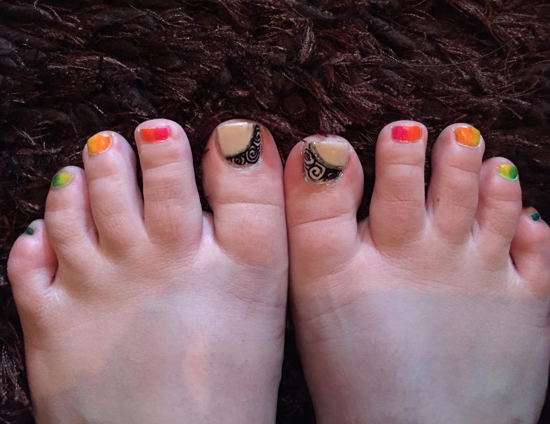 dazzling toe nail designs